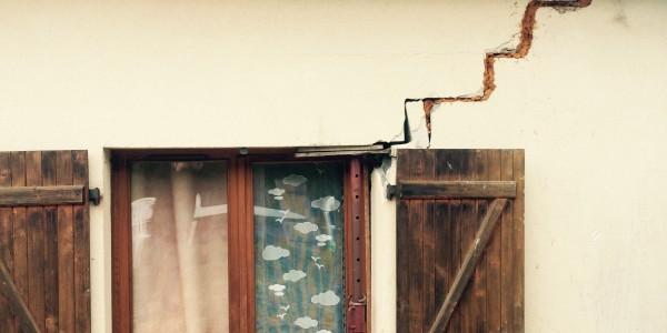 Fissure bâtiment sinistré catastrophe naturelle 93