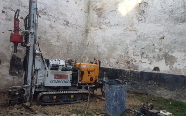 Forage-micropieux-et-pompe-dinjection-de-coulis-de-ciment-a-Fosses-95v2